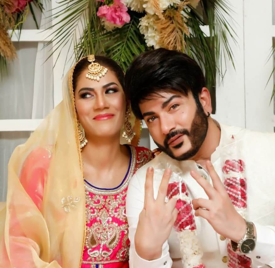 Akif Ilyas Wedding Pictures With His Wife