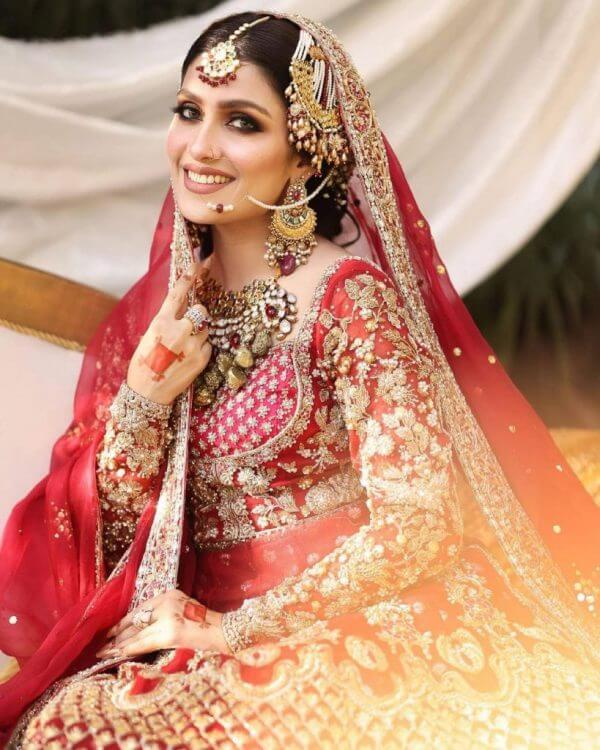 Ayeza Khan New Bridal Look In Red Collection