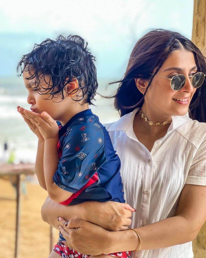 Ayeza Khan's Beach Photo With Her Beautiful Children Is Stunning