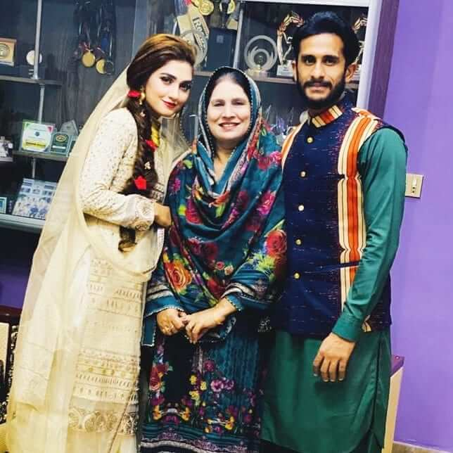 Beautiful Photos of Hassan Ali And Imad Wasim With Their Wife And Daughter