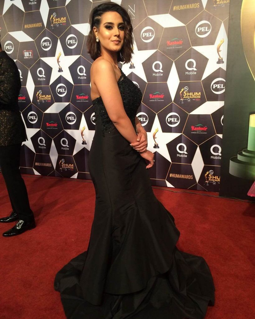 Beautiful Pictures of Iqra Aziz Wearing Black Dress