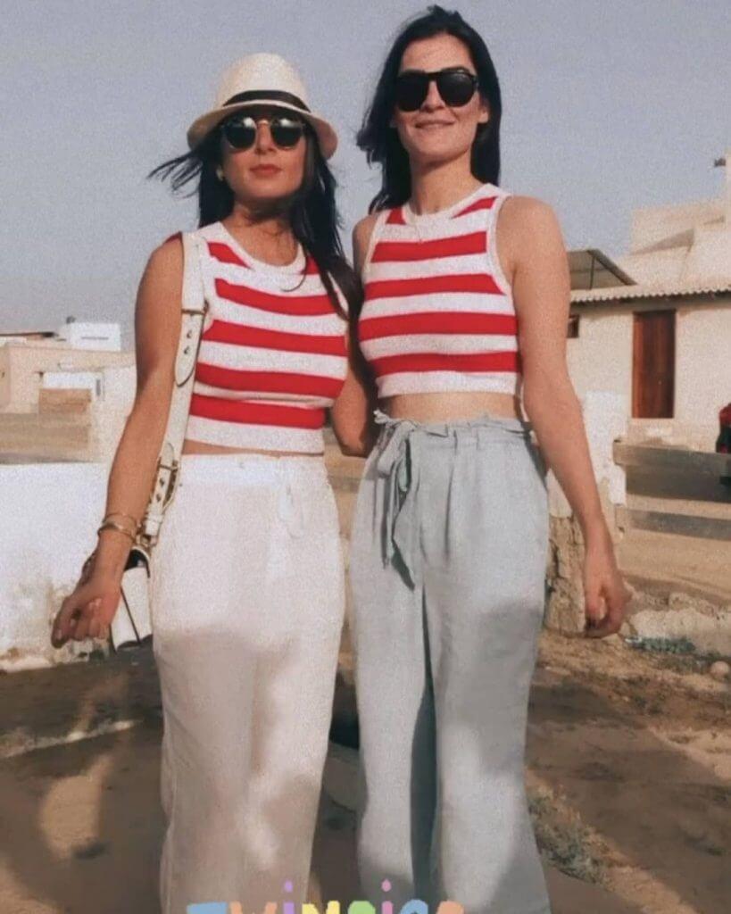 Javeria Abbasi Enjoying Holidays At Beach With Friends