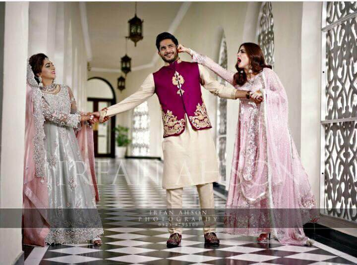 Beautiful Pictures of Maya Ali With Her Bhabi