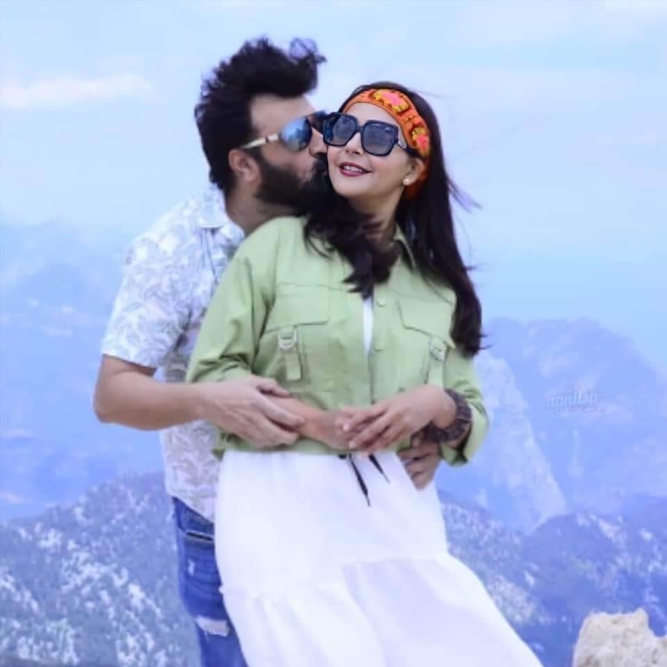 Nida Yasir New Lovely Pictures With Yasir Nawaz