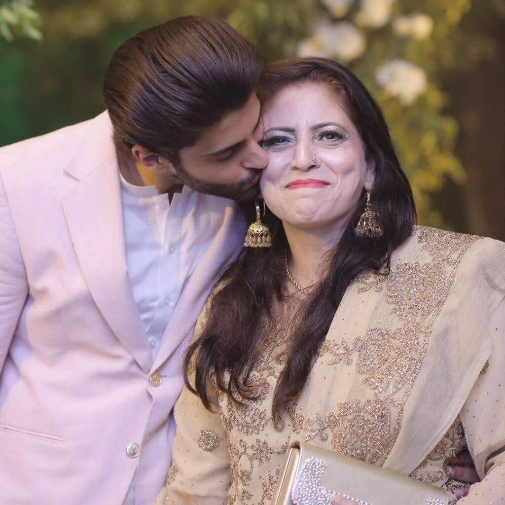 Actor Saad Qureshi Mother Passed Away