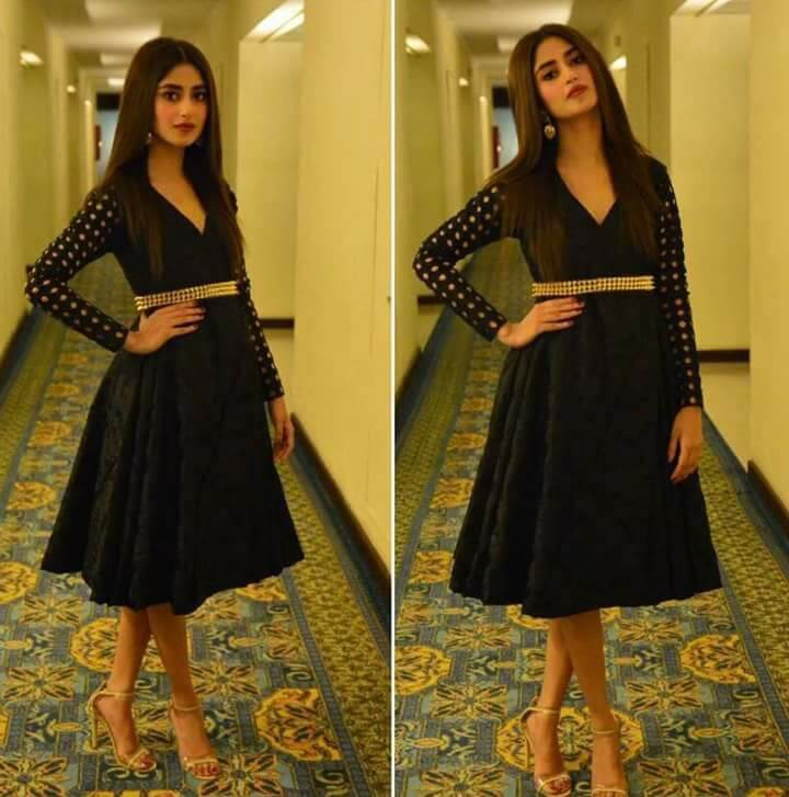Beautiful Pictures of Sajal Ali Wearing Black Frock in HUM Awards