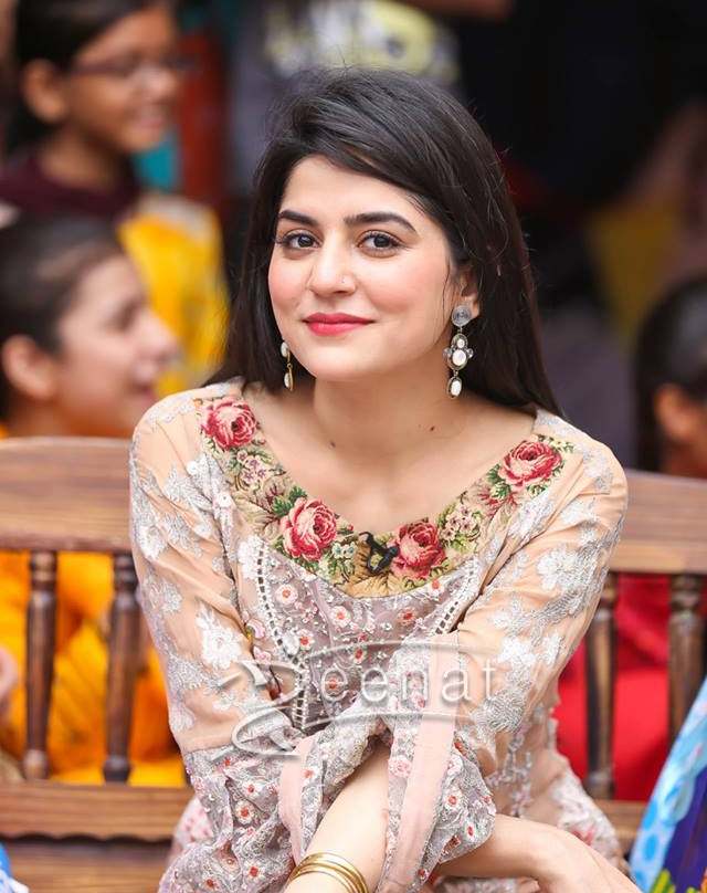 Sanam Baloch Latest Beautiful Pictures With Her Daughter Amira