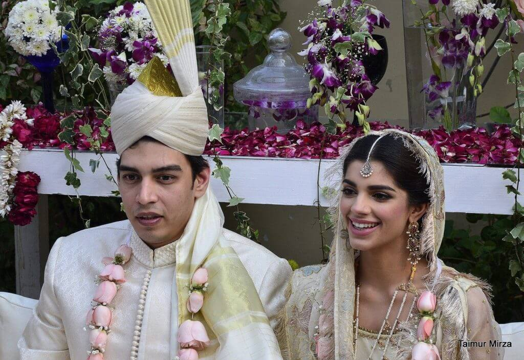Sanam Saeed New Lovely Pictures With Mohib Mirza