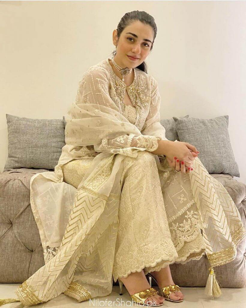 Sarah Khan Latest Beautiful Pictures From Her Instagram