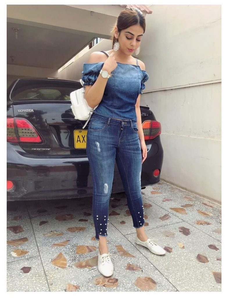Yashma Gill Facing Criticism On Her New Pictures in Gym Wear