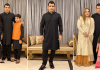 Beautiful Family Pictures of Kamran Akmal With His Wife And Kids