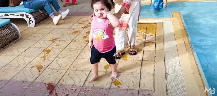 In Pics: Aiman Khan And Muneeb Butt Enjoy A Pool Party With Their Daughter