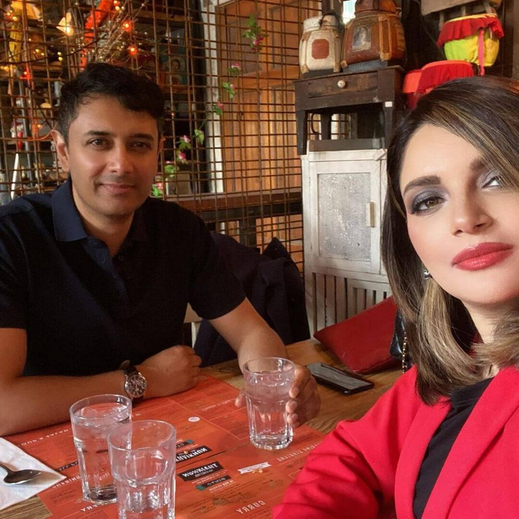 Armeena Khan Latest Beautiful Pictures From Her Instagram