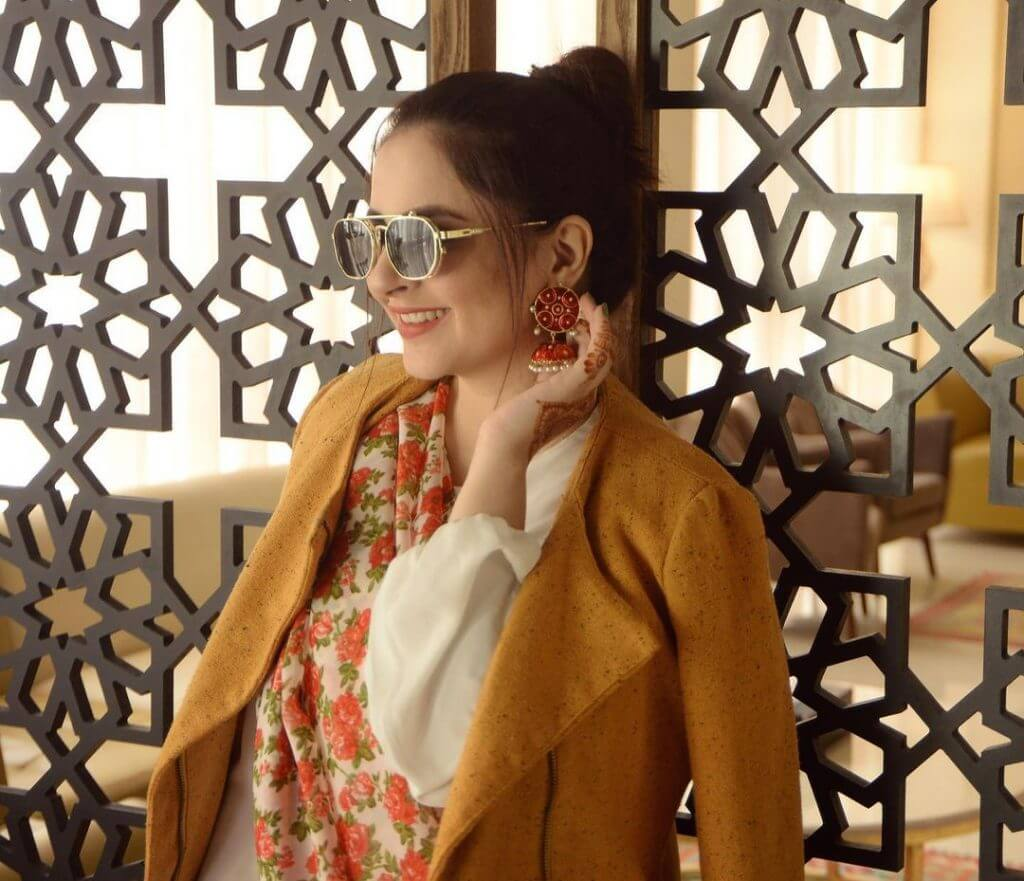 Eid pictures of Fatima Effendi wearing saree with jeans pant