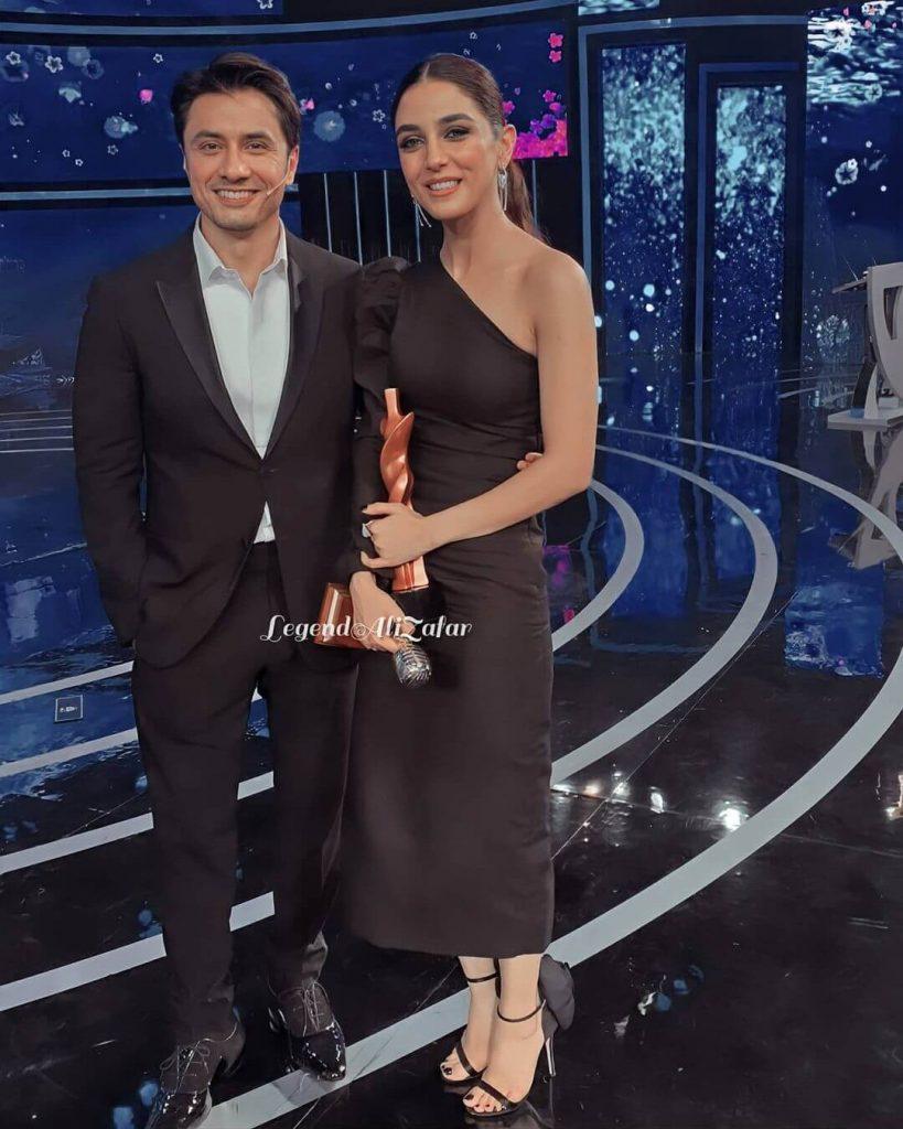 Maya Ali Won The Most Stylish Actor Film In Pakistan Award By Hum Style Awards