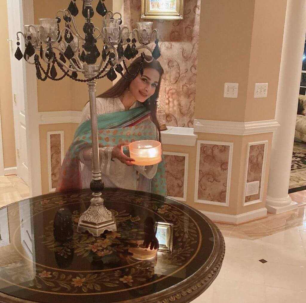 Beautiful Pictures of Reema Khan Decorates Her New House