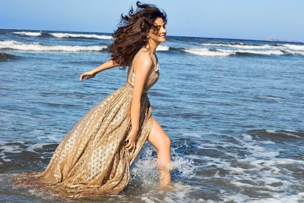 Saba Qamar Looks Gorgeous in Her Latest Photoshoot