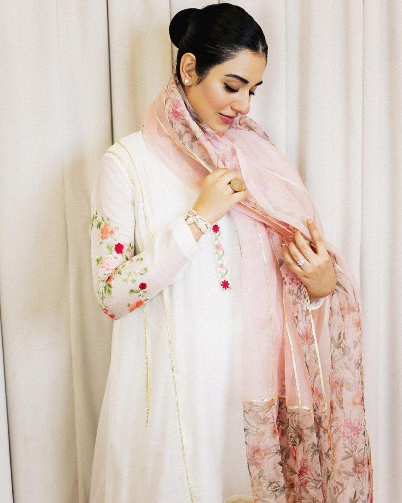 IN PICS: Sarah Khan And Falak Shabir Greet Their Fans On Eid