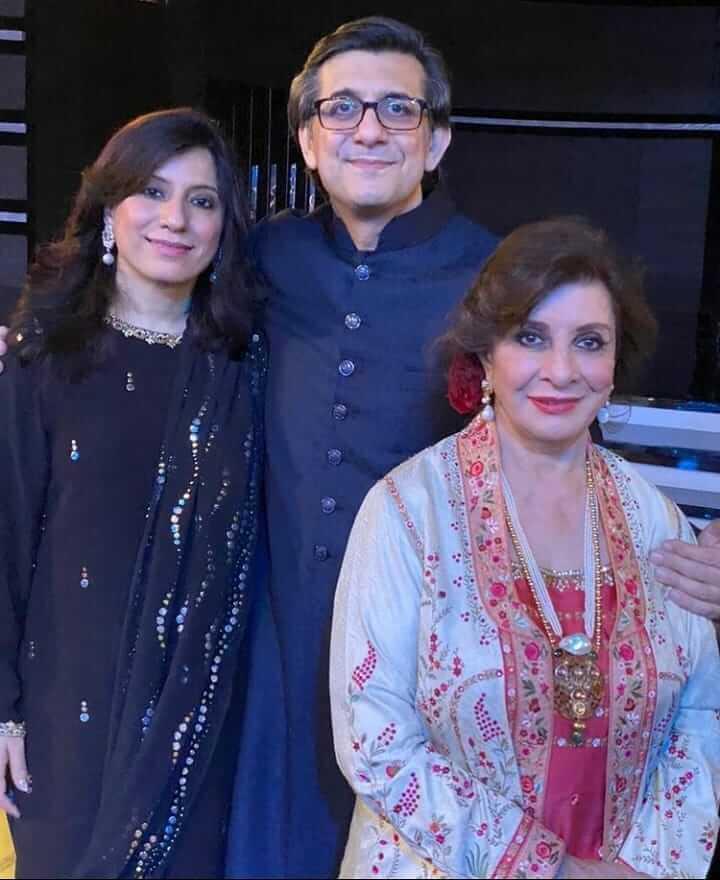 Sultana Siddiqui's grandson's mehndi: Ushna, Yasir Nawaz, Nida, Zara Noor Abbas, Bilal Ashraf grace marriage [PHOTOS]