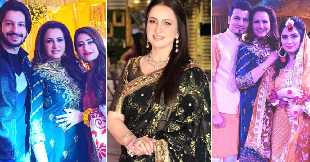 Saba Faisal With Her Family At Recent Family Wedding