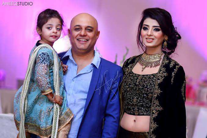 Ali Azmat With His Wife Fariha Khan - Latest Pictures