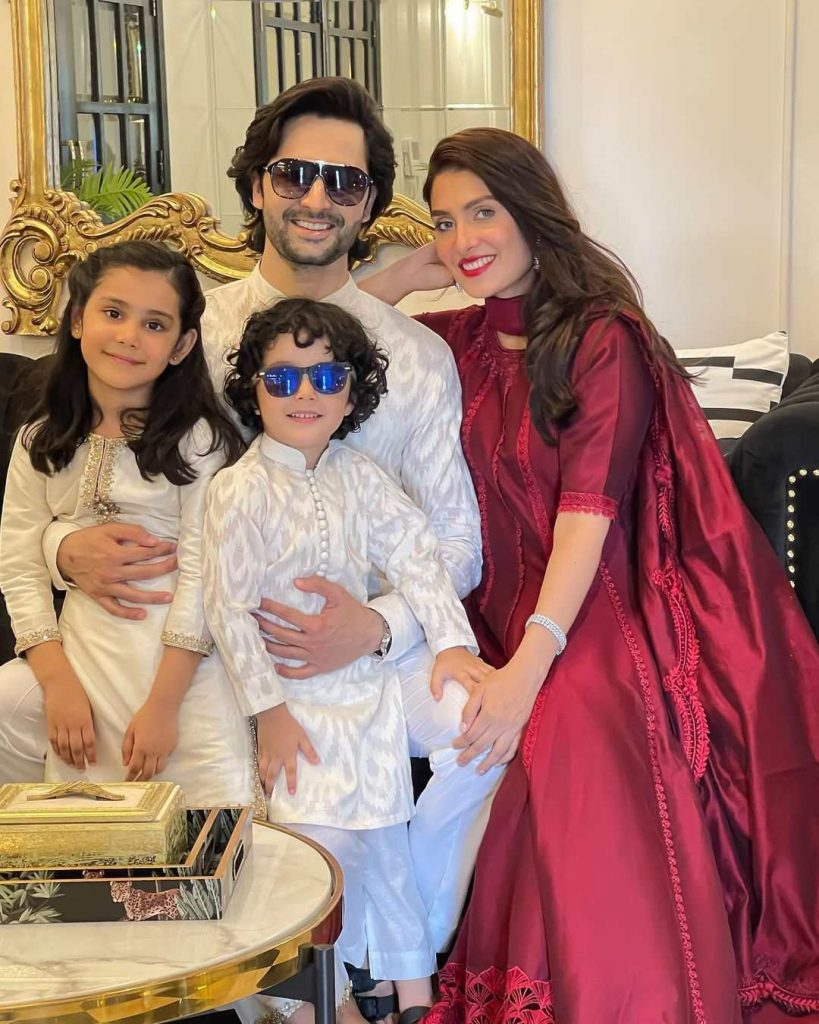 Ayeza Khan Lovely And Adorable Pictures With Family