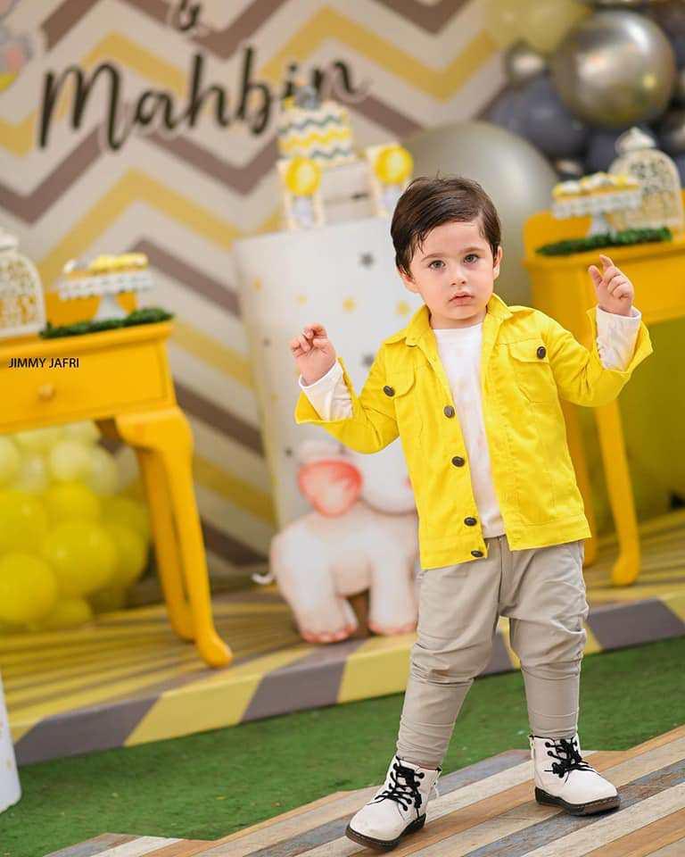 Fatima Effendi And Kanwar Arsalan Son Almir Beautiful Birthday Pictures