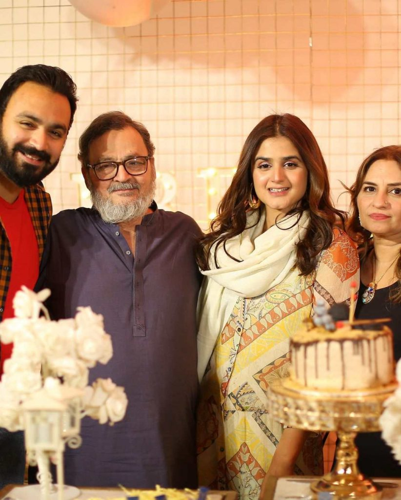 Hira Mani Shares An Emotional Note About Her Late Father