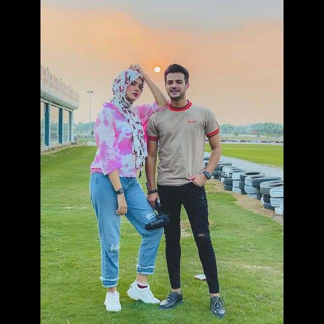 Kanwal Aftab New Pictures With Husband