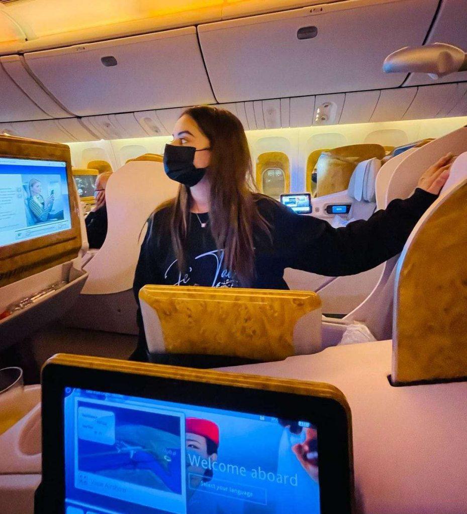 Minal Khan and Ahsan Mohsin Ikram fly off for their honeymoon