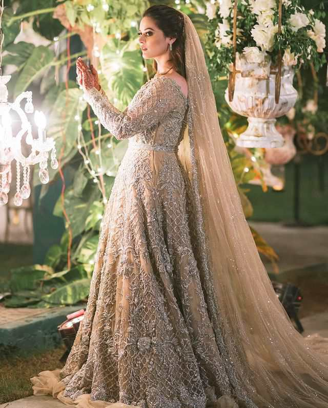 Minal Khan Walima Pictures With Her Husband Ahsan Mohsin Ikram