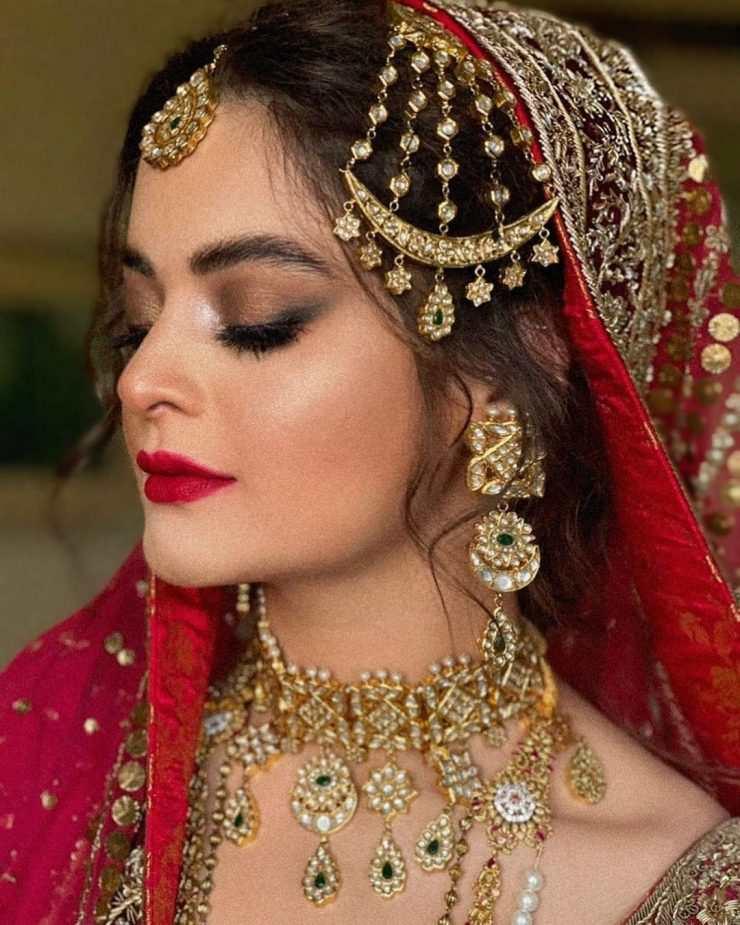 Minal Khan's wedding pics with her make-up artist