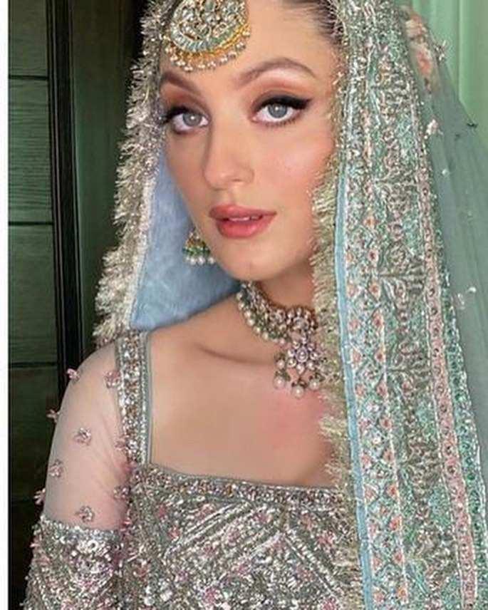 Neha Rajpoot Wedding Pictures With Her Husband Shahbaz Taseer