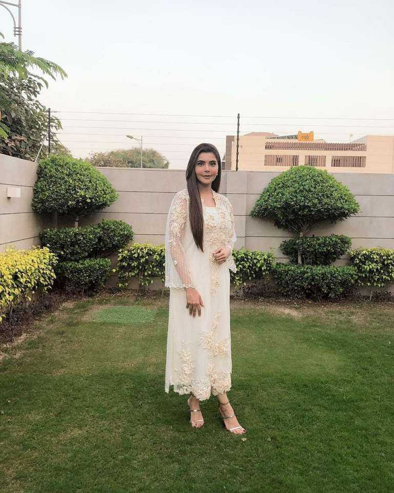 Beautiful Pictures of Nida Yasir Decorates Her New House