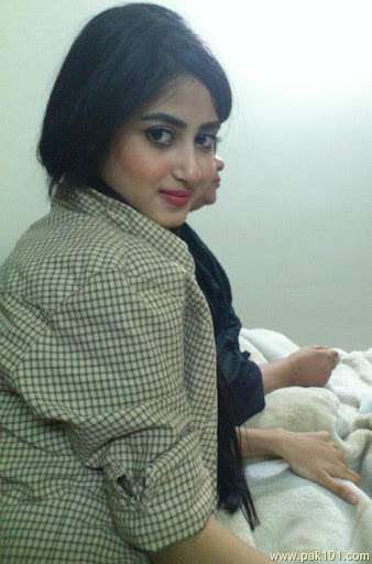 Sajal Ali Recently Uploaded A Picture Without Makeup