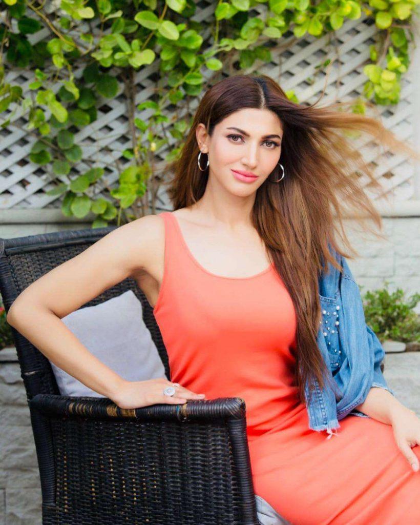 Sana Fakhar Hits GYM To Shed Extra Kilos