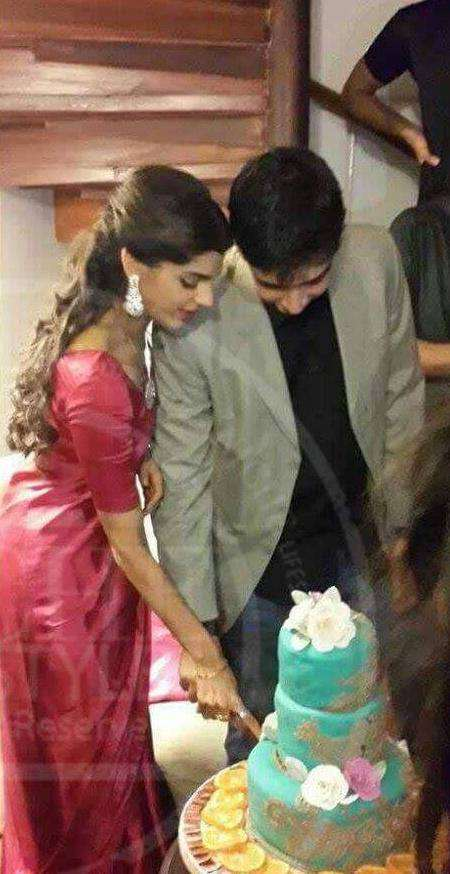 Sanam Saeed Wedding Pictures With Her Husband Farhan Hasan