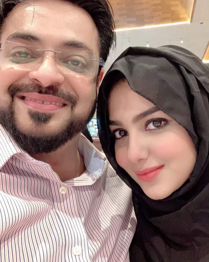 Syeda Tuba Aamir, Husband Aamir Liaquat Perform Umrah