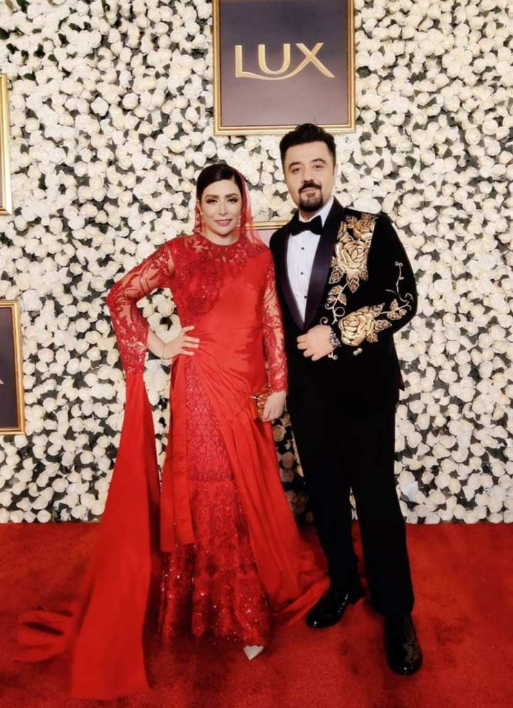 Ahmed Ali Butt New Pictures With Wife
