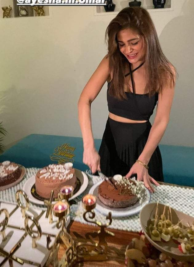 Ayesha Omer celebrates 40th birthday with friends and family