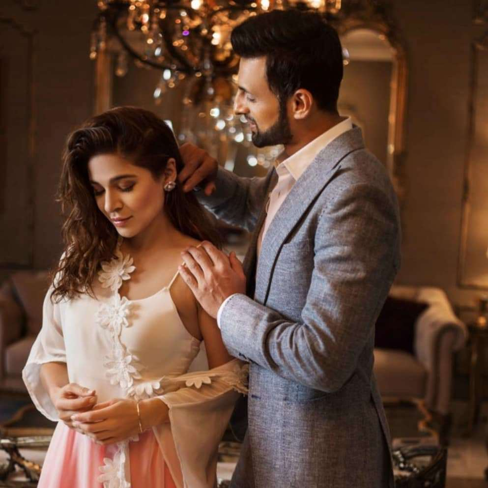 Shoaib Malik And Ayesha Omer Pair Up For A Photoshoot