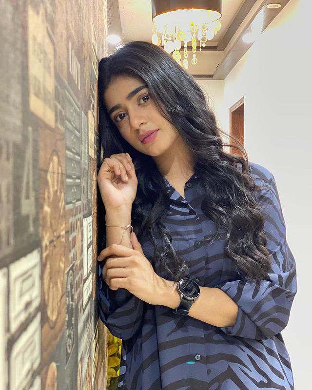 Sehar Khan Height