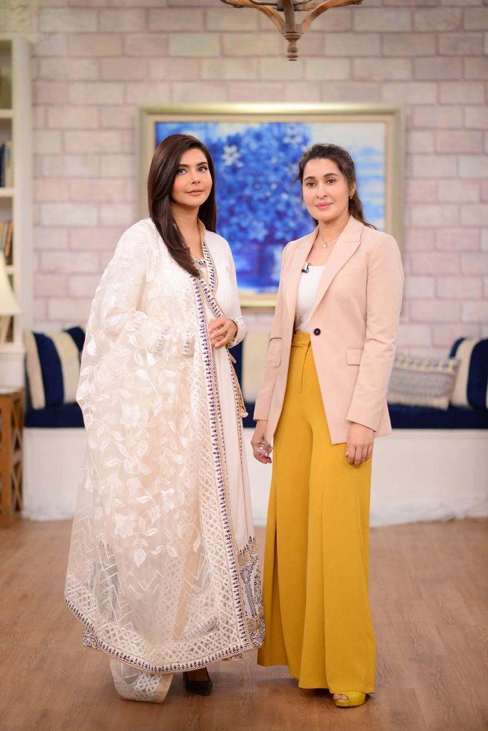 Shaista Lodhi arrives at Nida Yasir's morning show