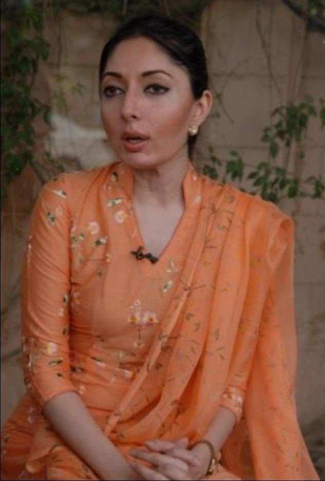 Actress Sharmila Farooqi Father Passed Away